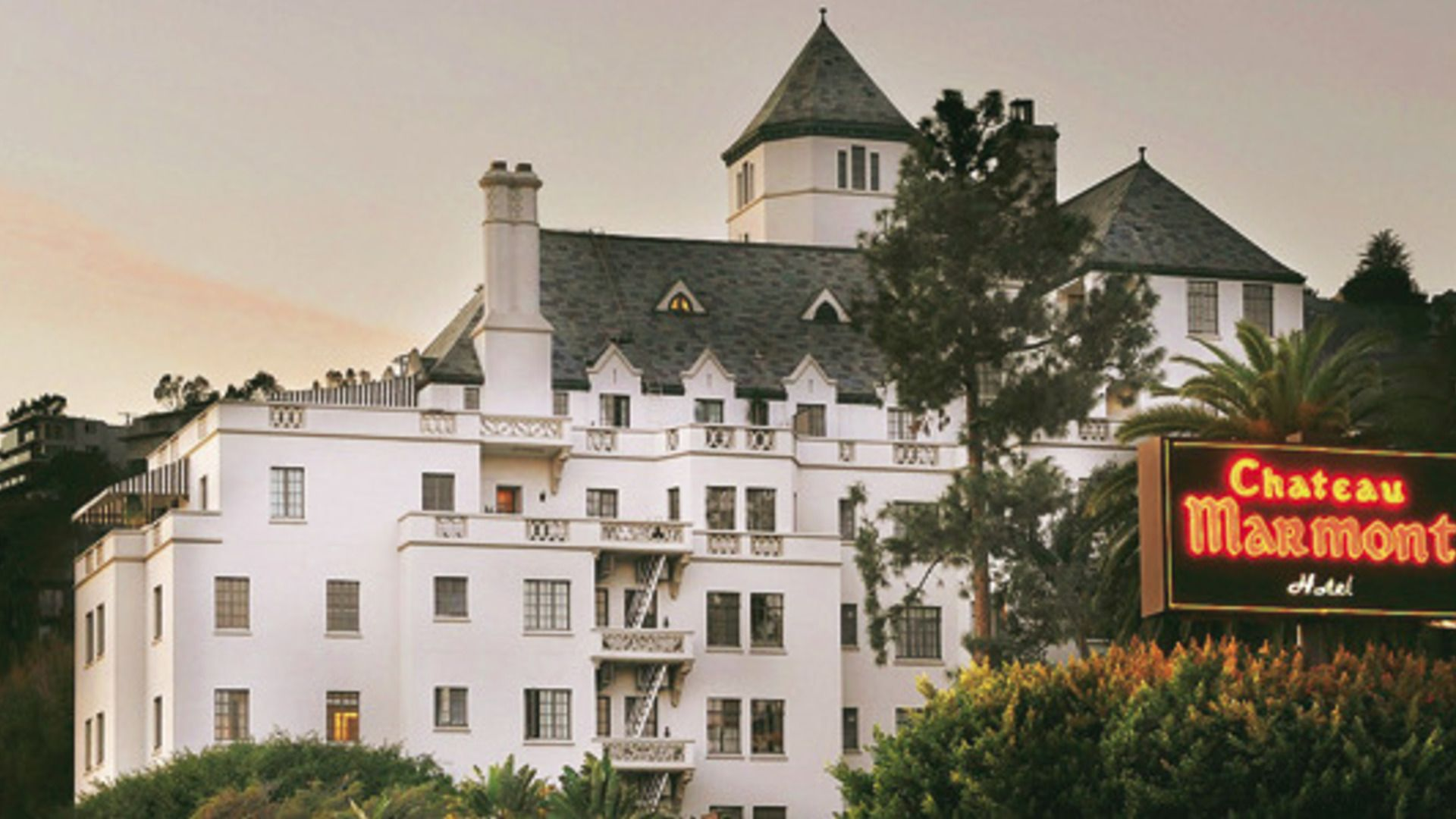 19 Rumors From Chateau Marmont That Blur The Lines Between Fact And Fiction