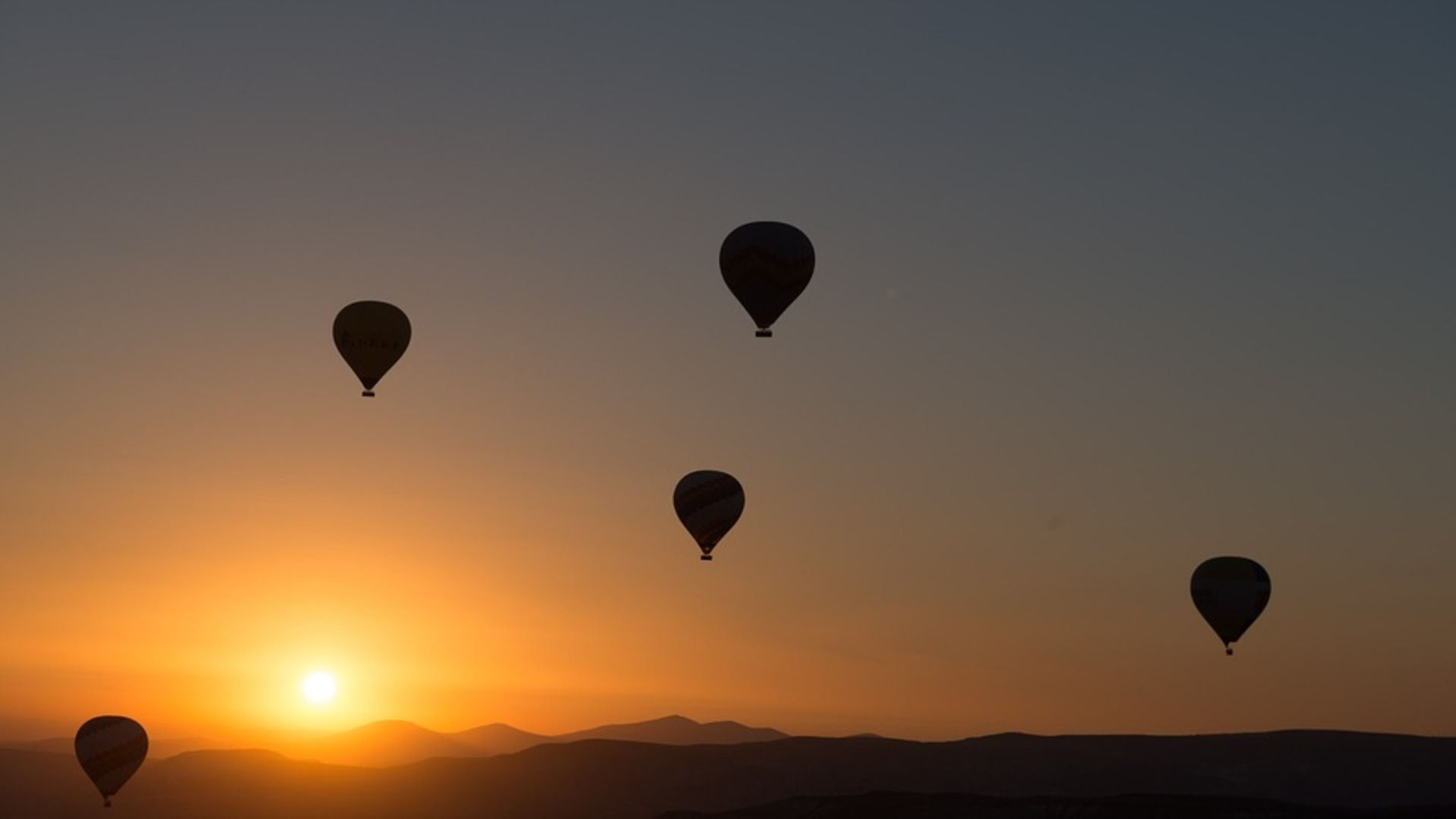 4 Hot Air Balloon Trips To Put On Your Bucket List