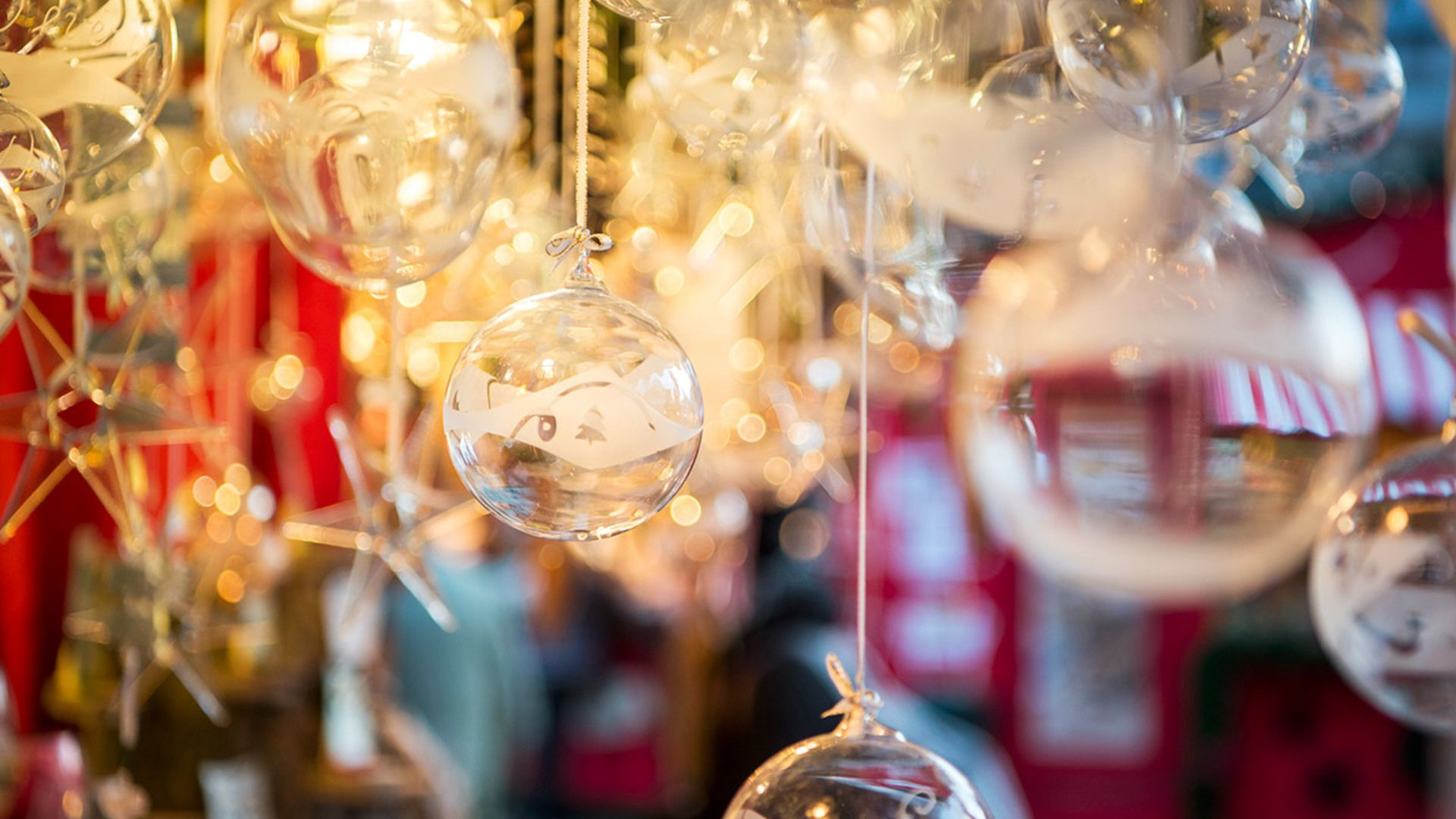 Mulled Wine Christmas Market.Unleash Your Holiday Spirit At These 8 Christmas Markets