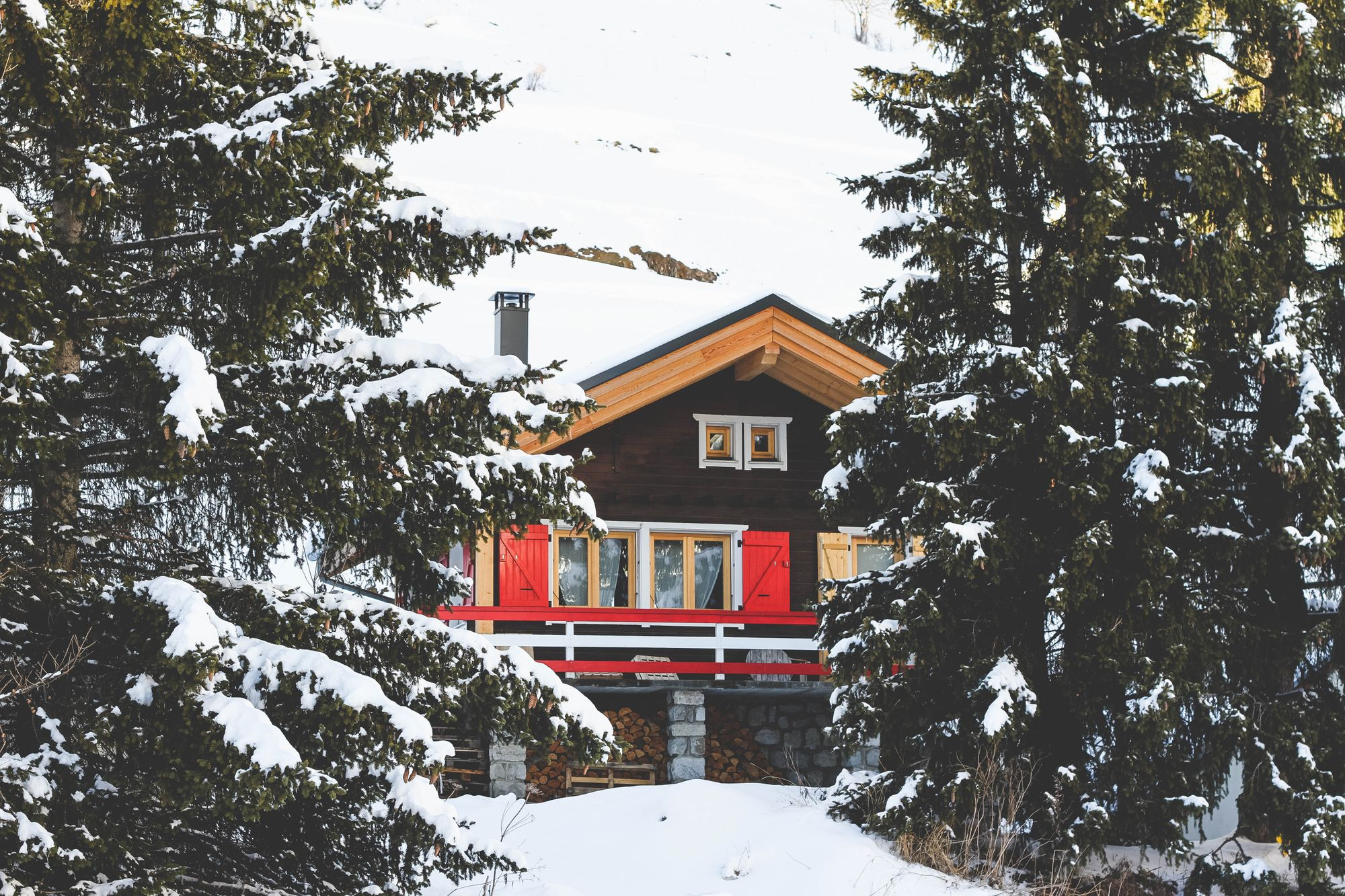 5 Winter Wonderland Instagram Accounts To Follow This Season