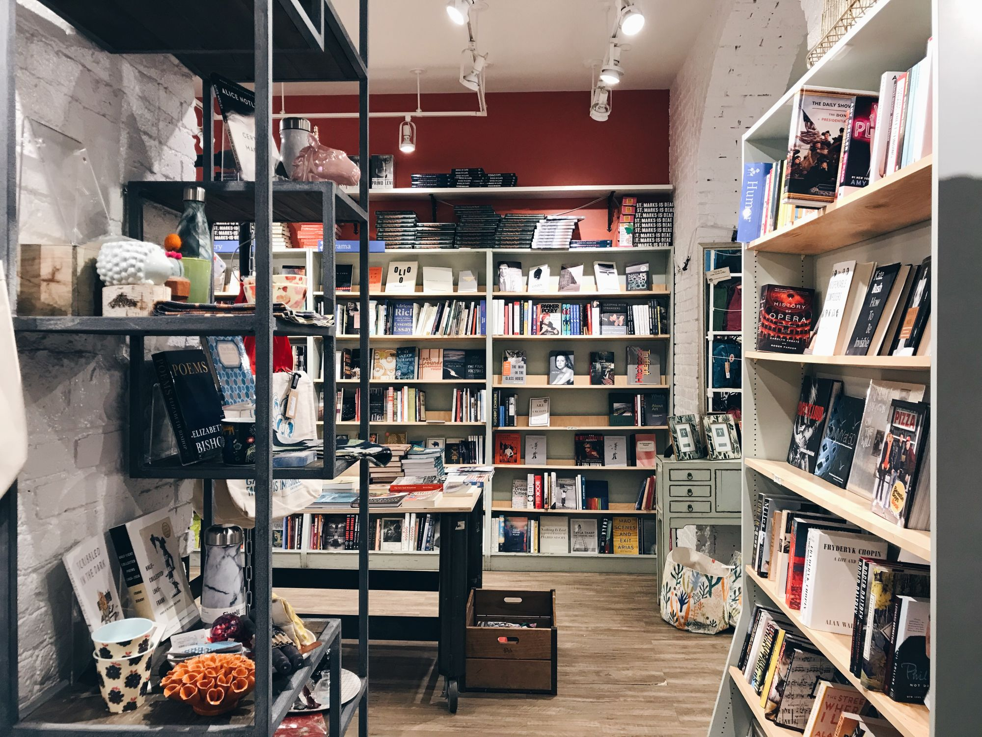 A Guide To The Best Independent Bookstores In NYC